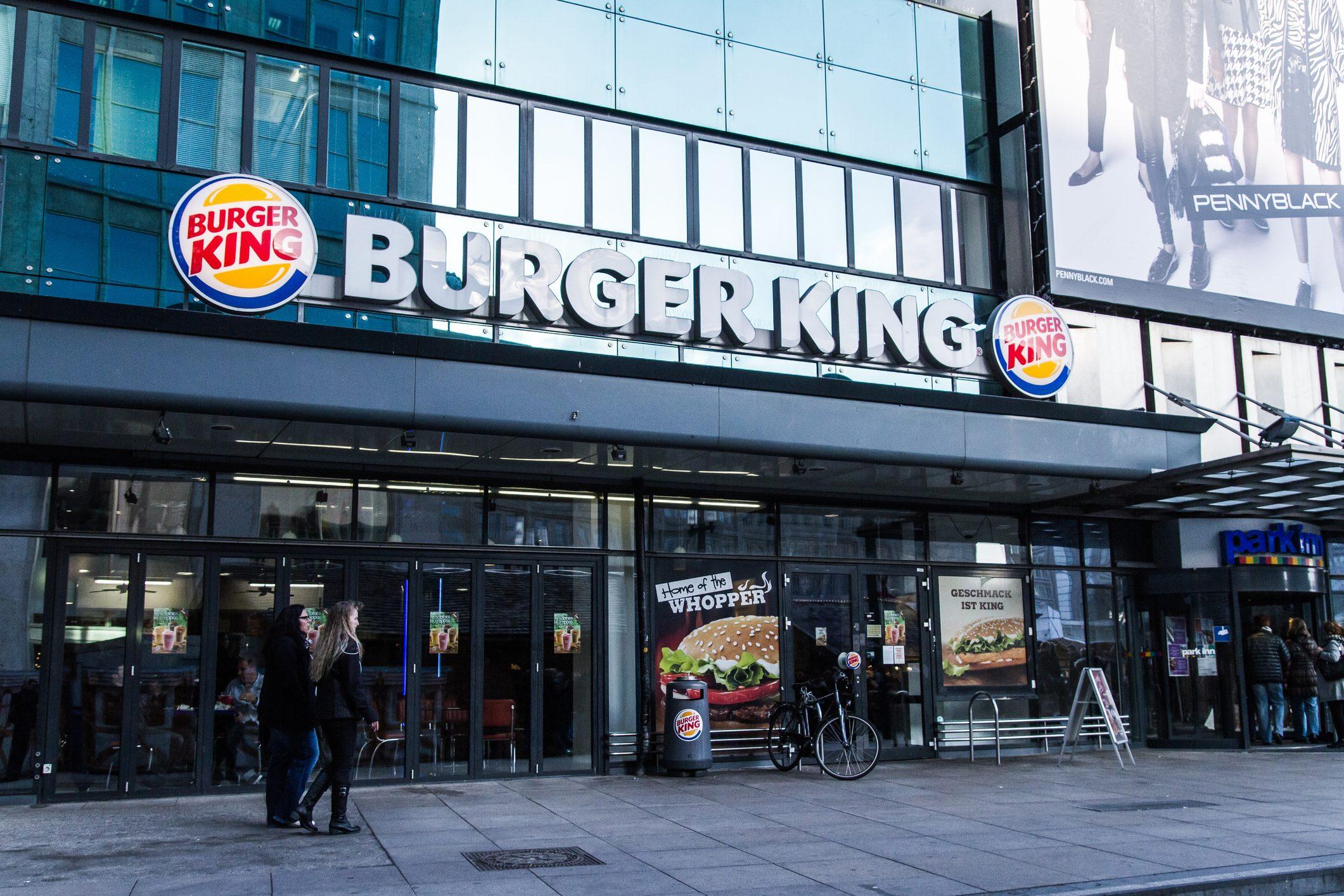 Burger King diventa hub vaccinale: pronte le dosi per i dipendenti e per 4000 ristoratori