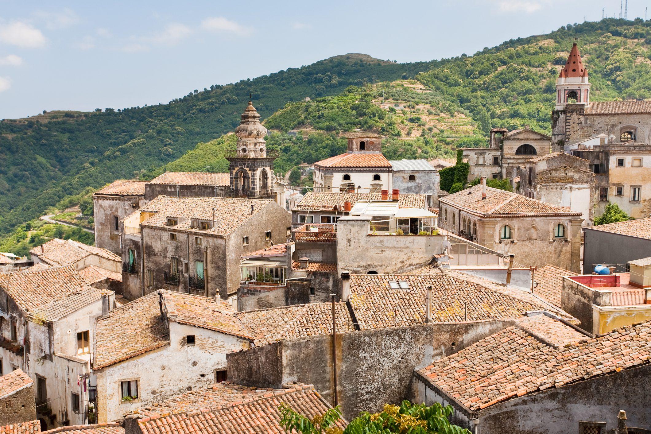 castiglione-di-sicilia-case