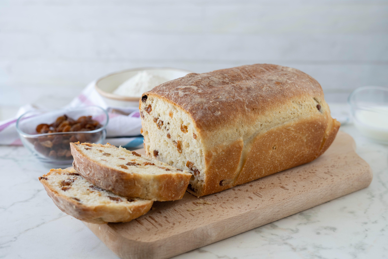 Pane con uvetta: la ricetta del lievitato soffice e goloso