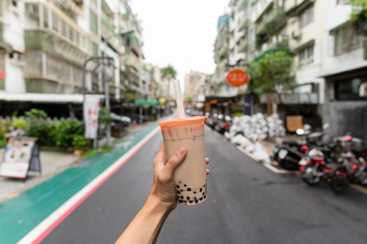 Bubble tea: cos'è, da dove viene e come si prepara il drink asiatico che spopola negli USA