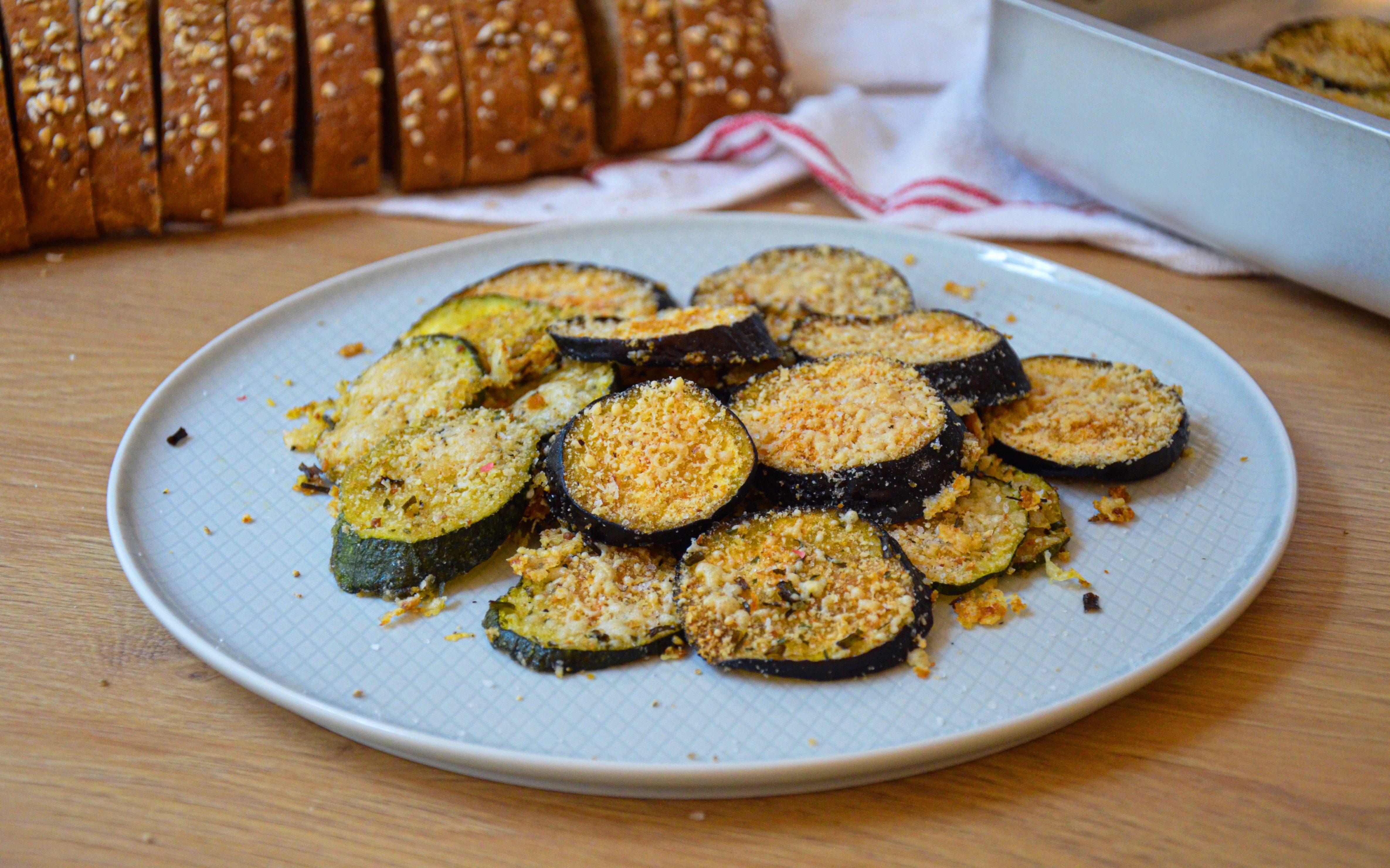 Zucchine e melanzane gratinate: la ricetta del contorno facile e sfizioso