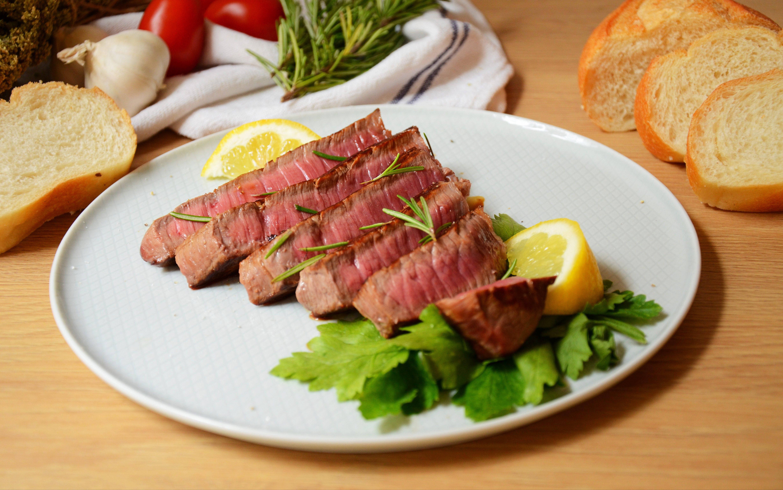 Lombata di vitello alla piastra: la ricetta del secondo semplice e appetitoso