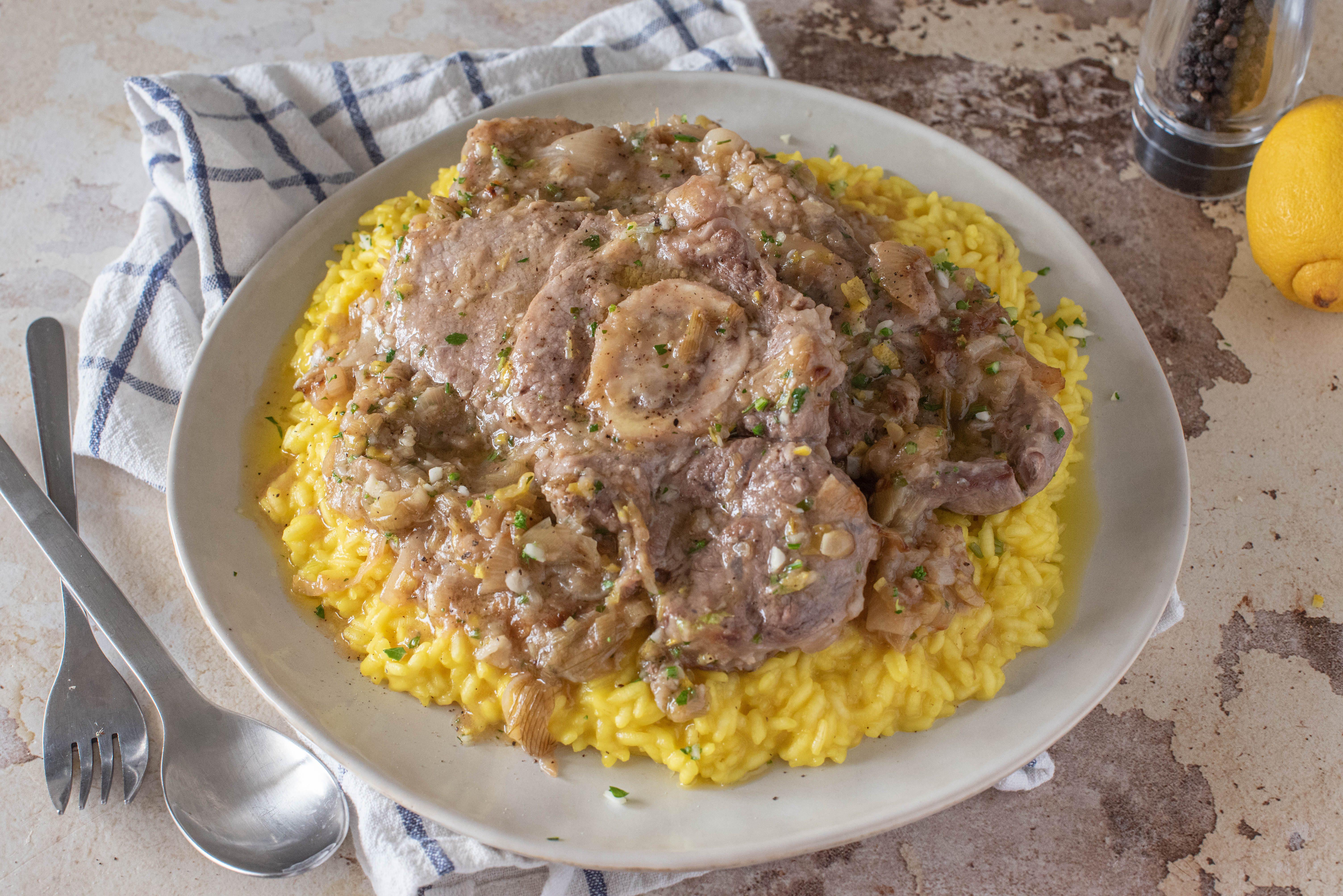 Ossobuco alla milanese: la ricetta del tradizionale piatto lombardo