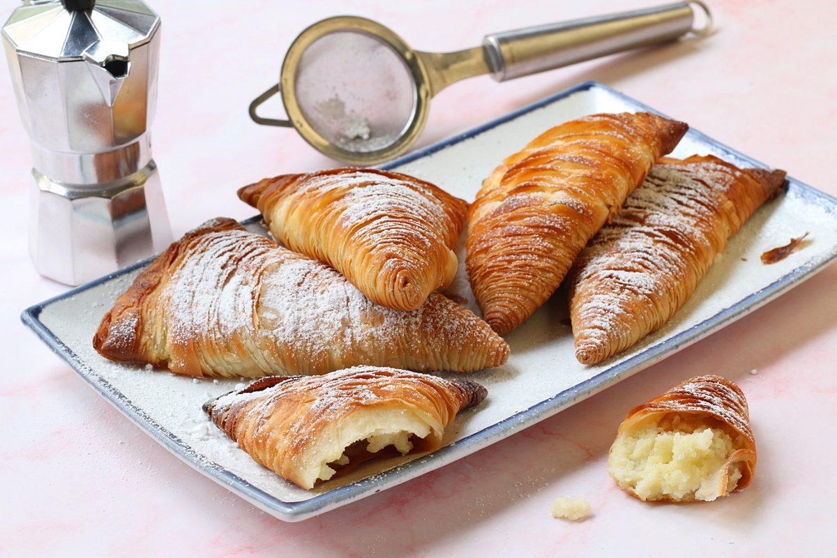 Sfogliatelle ricce napoletane: la ricetta del grande classico da fare a casa