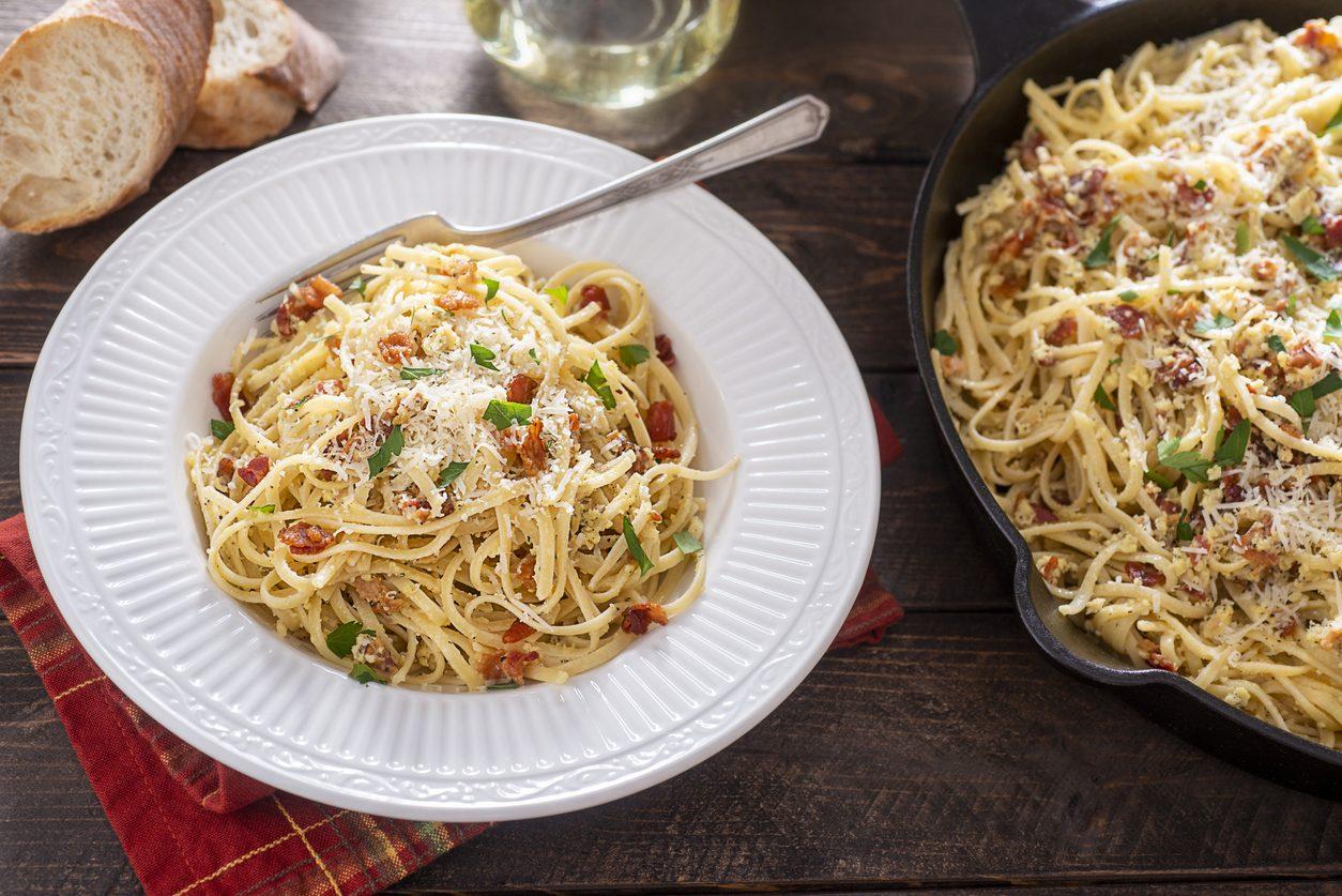 Spaghetti alla molisana: la ricetta del primo piatto molisano a base di pancetta e cipolla