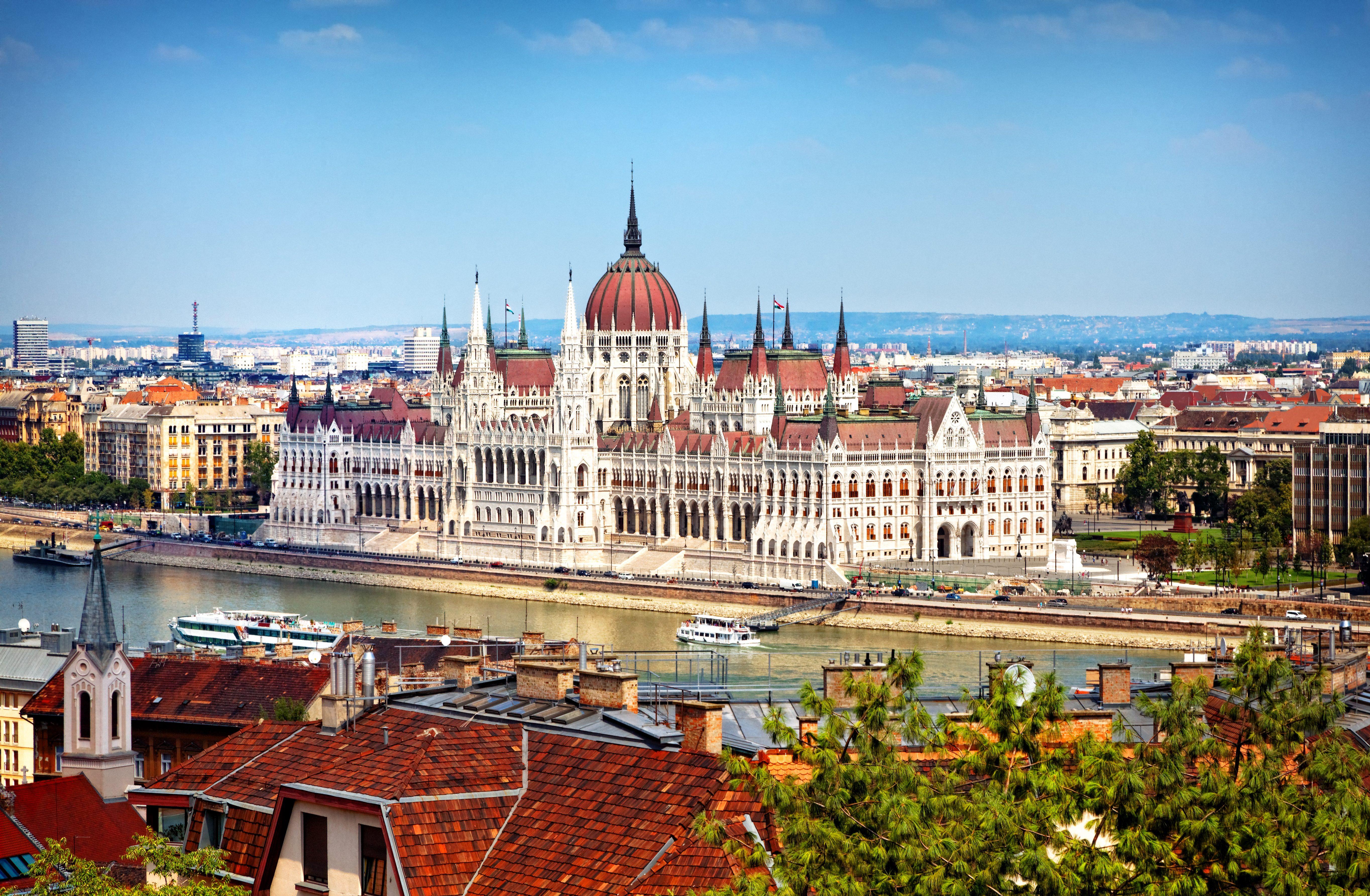 Budapest inaugura il suo Europeo: le specialità tipiche dello street food locale