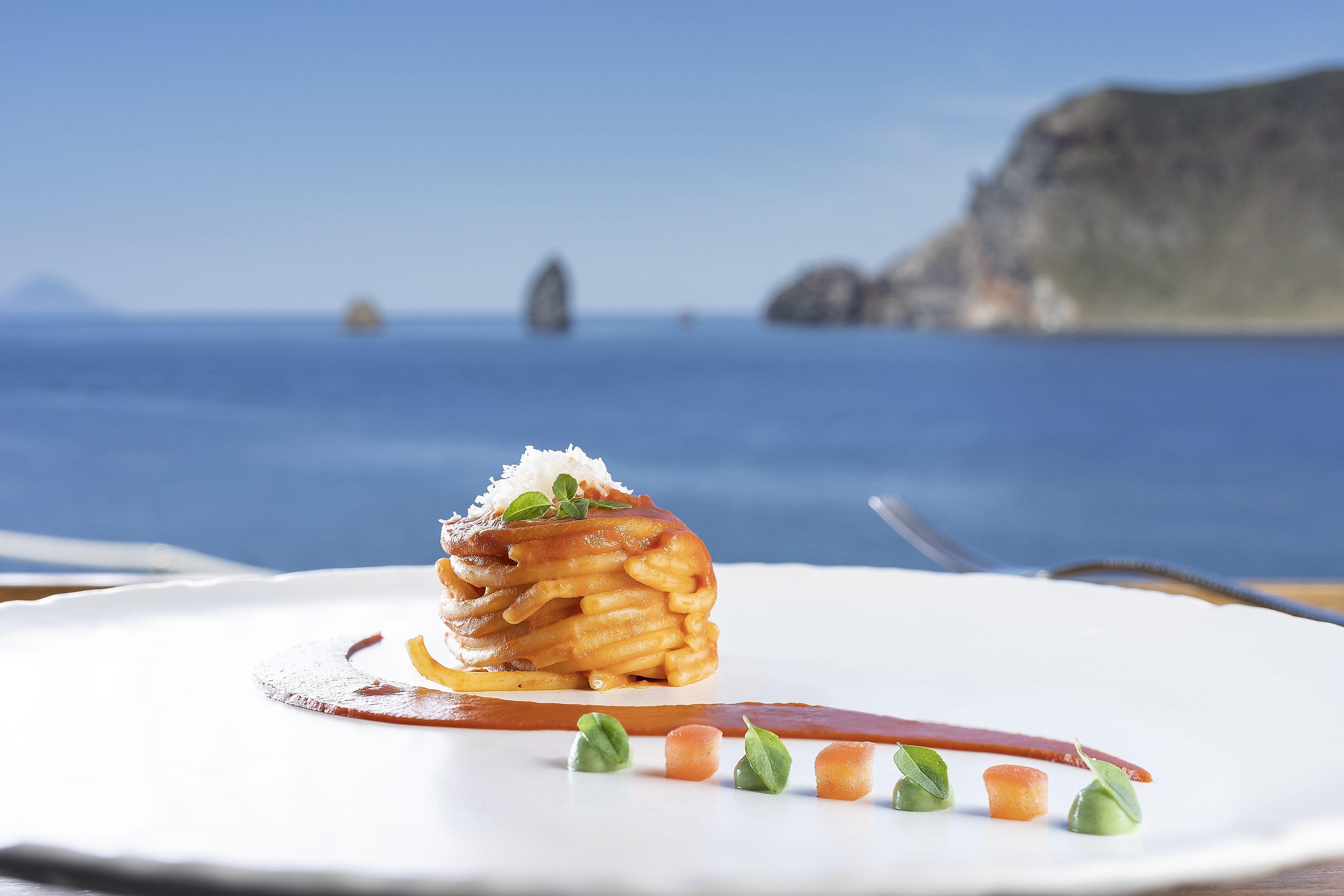spaghettone al pomodoro_ Chef Biuso_ Therasia Resort