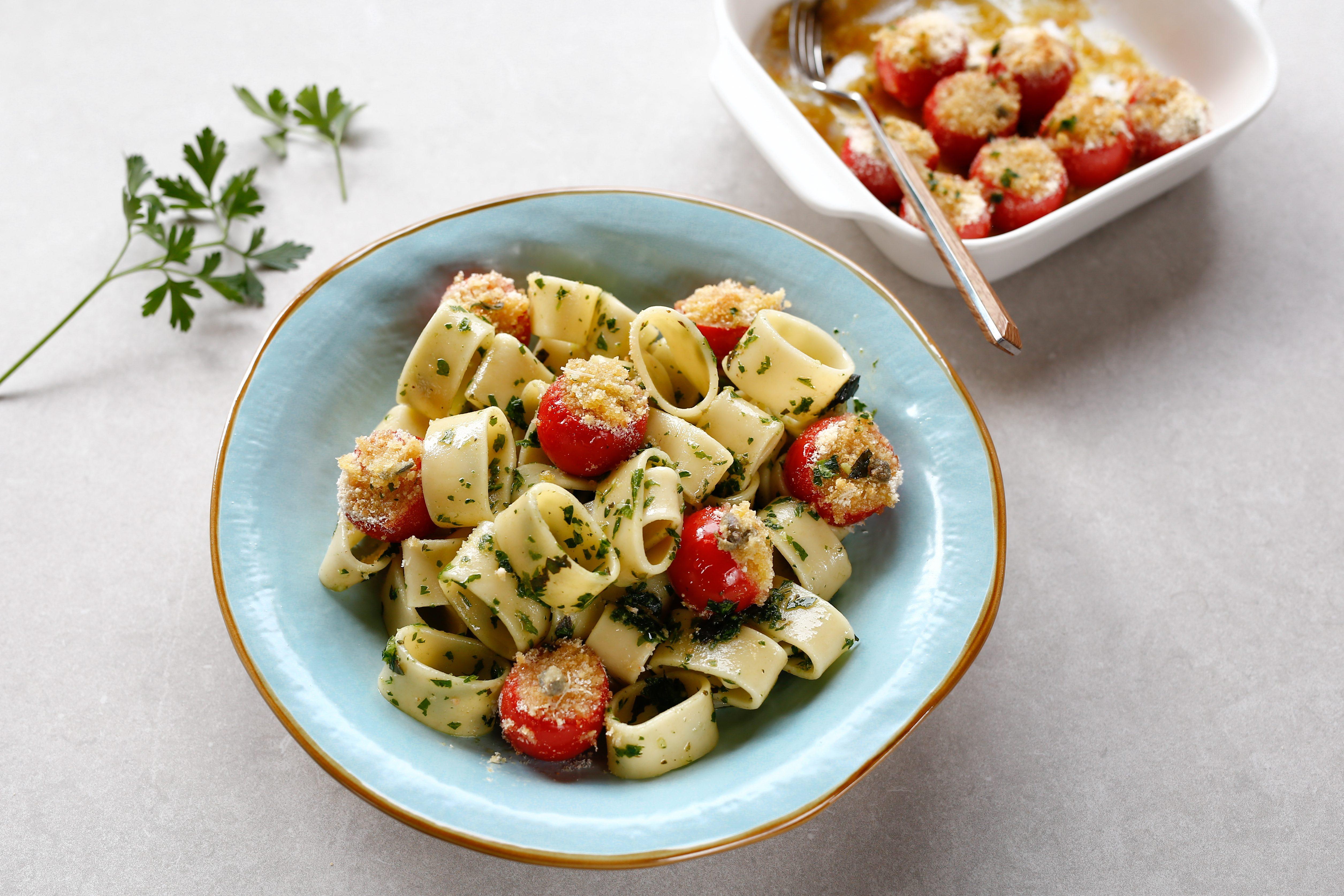 Pasta con pomodorini gratinati: la ricetta del primo gustoso e fragrante