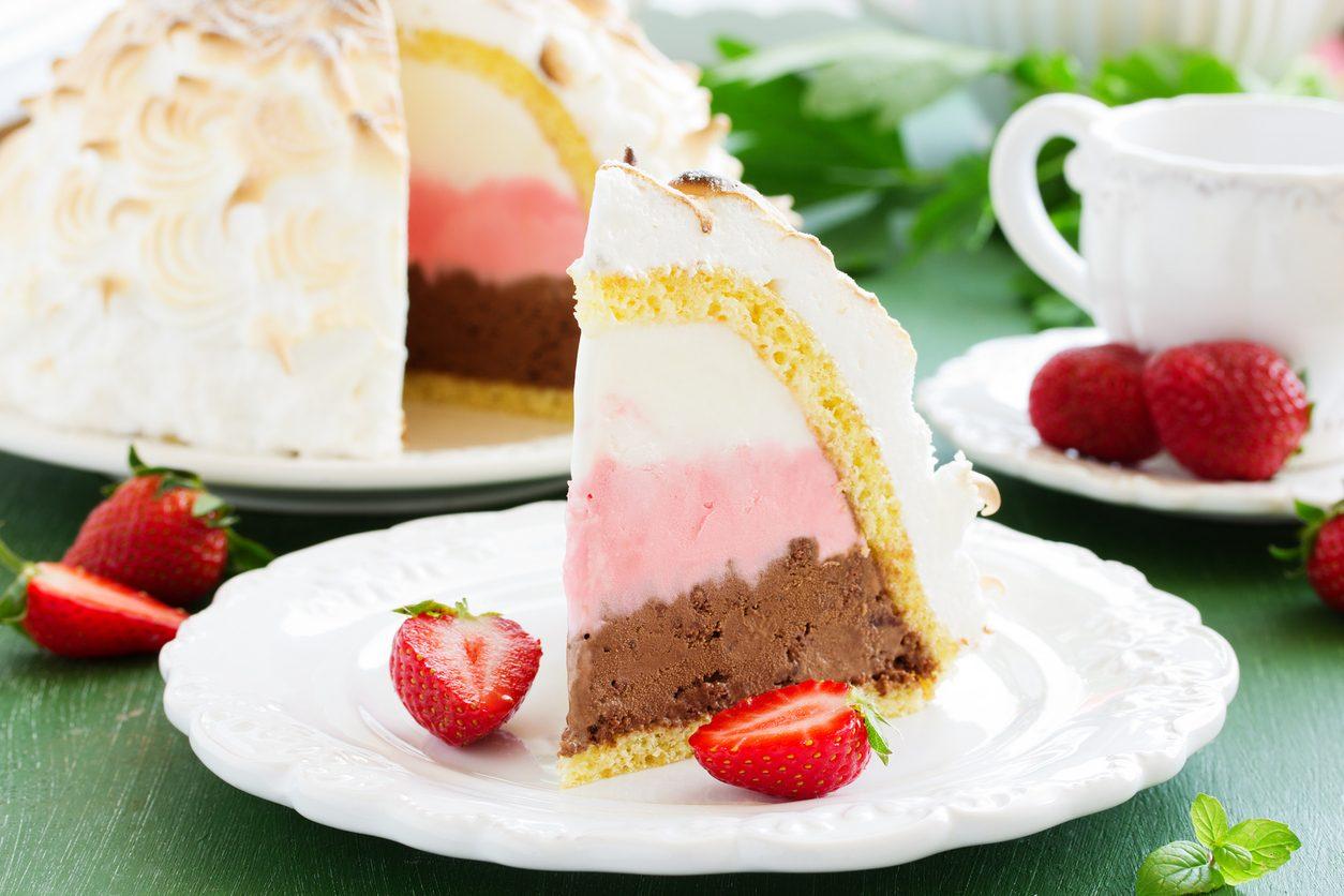 Baked Alaska: la ricetta della torta americana con goloso ripieno di gelato