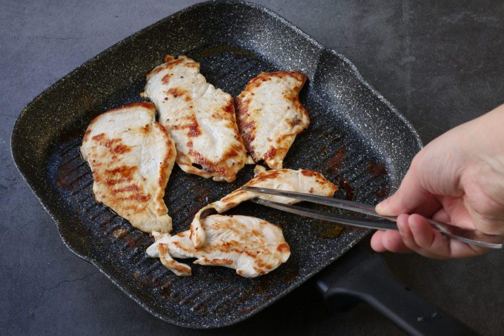 Grigliare il pollo