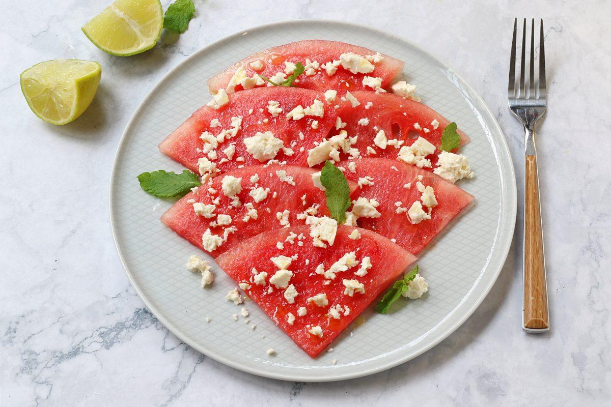 Carpaccio di anguria: la ricetta del piatto insolito e fresco