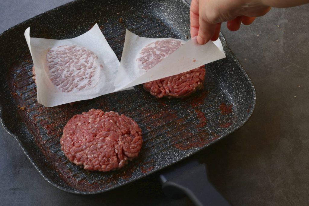 cuocere gli hamburger