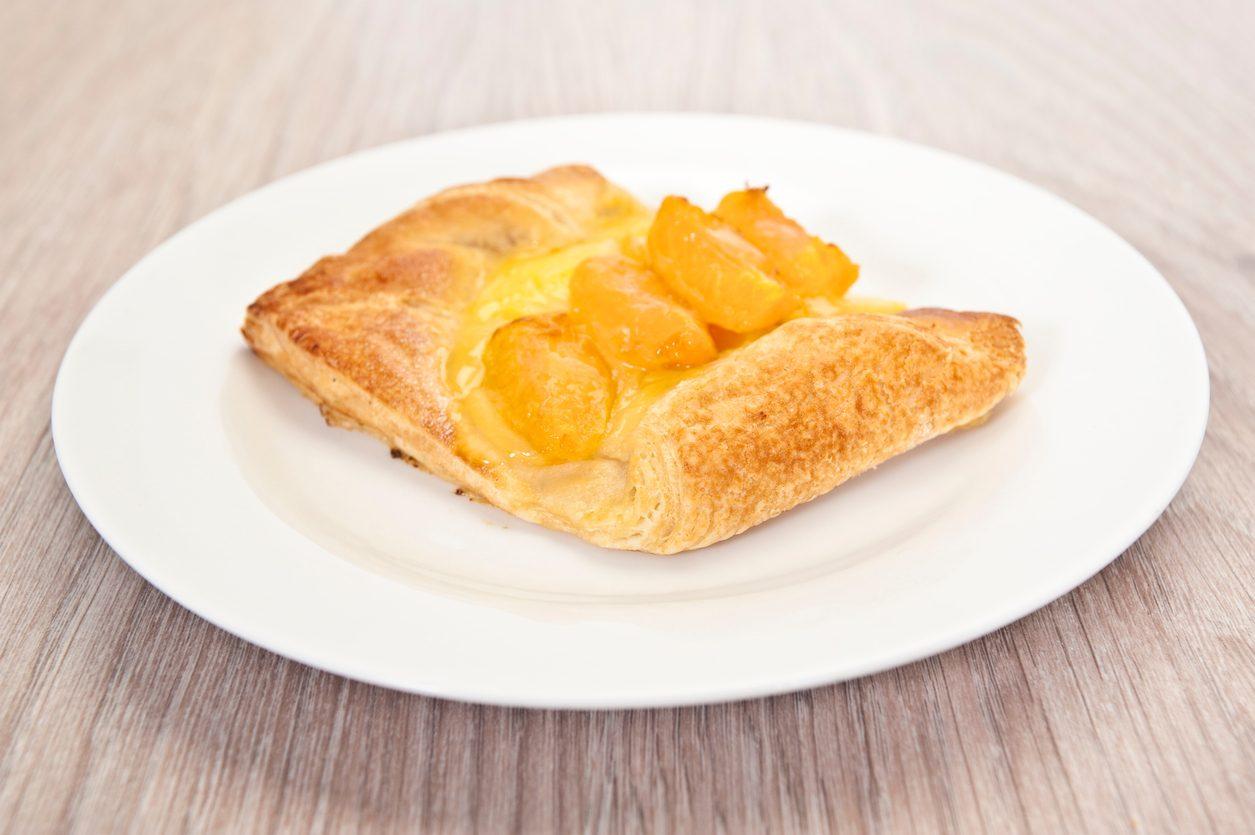 Sfogliatine alle albicocche: la ricetta del dessert semplice e delizioso