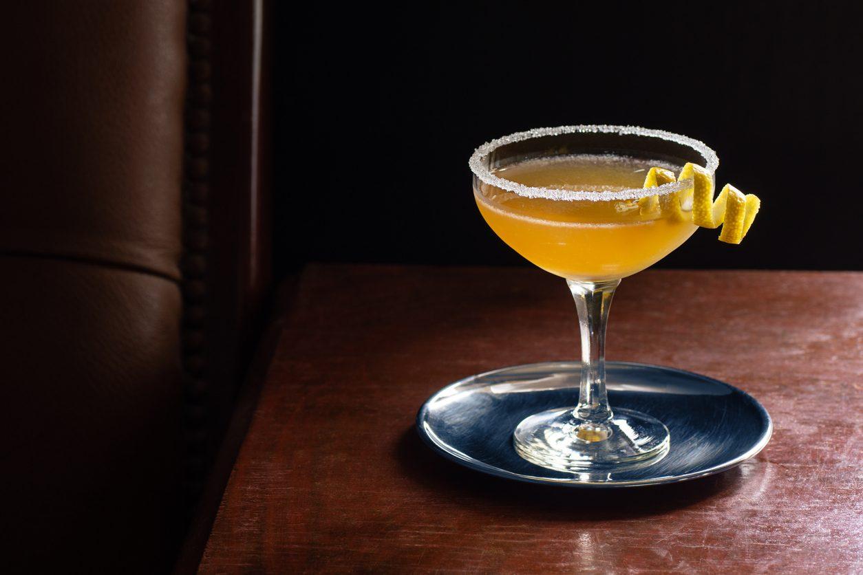 Sidecar cocktail: la ricetta del drink a base di cognac, triple sec e succo di limone