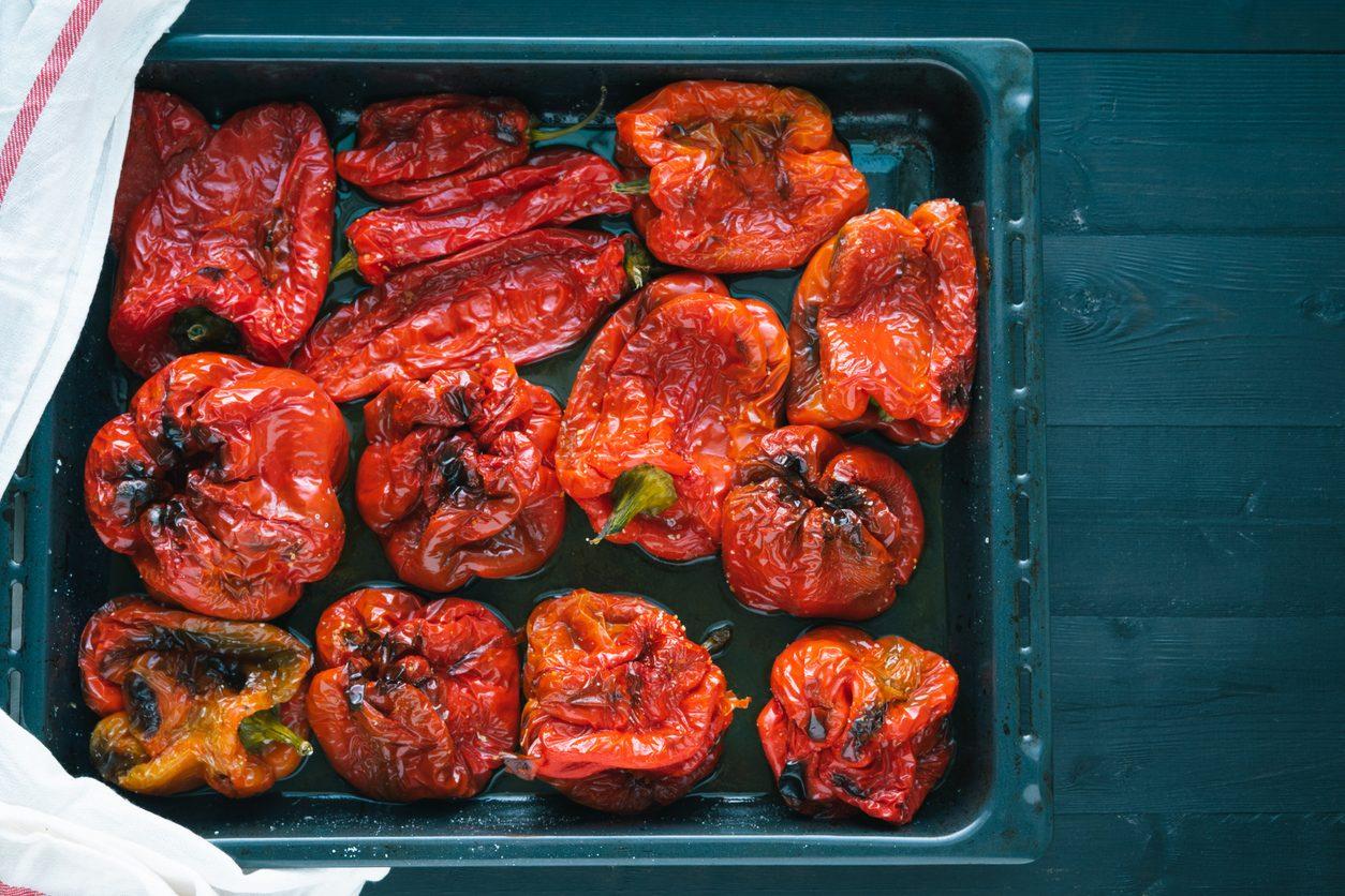 5 metodi per spellare i peperoni in modo semplice e veloce