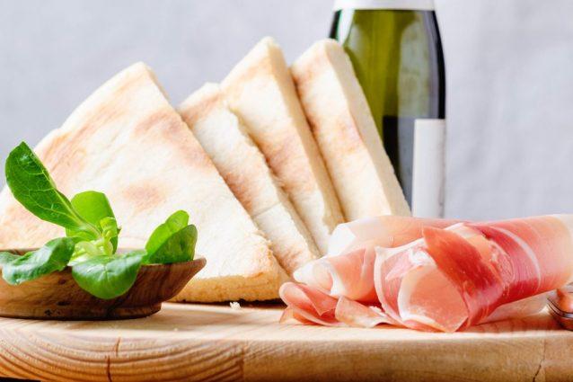 torta al testo cosa mangiare Umbria piatti tipici