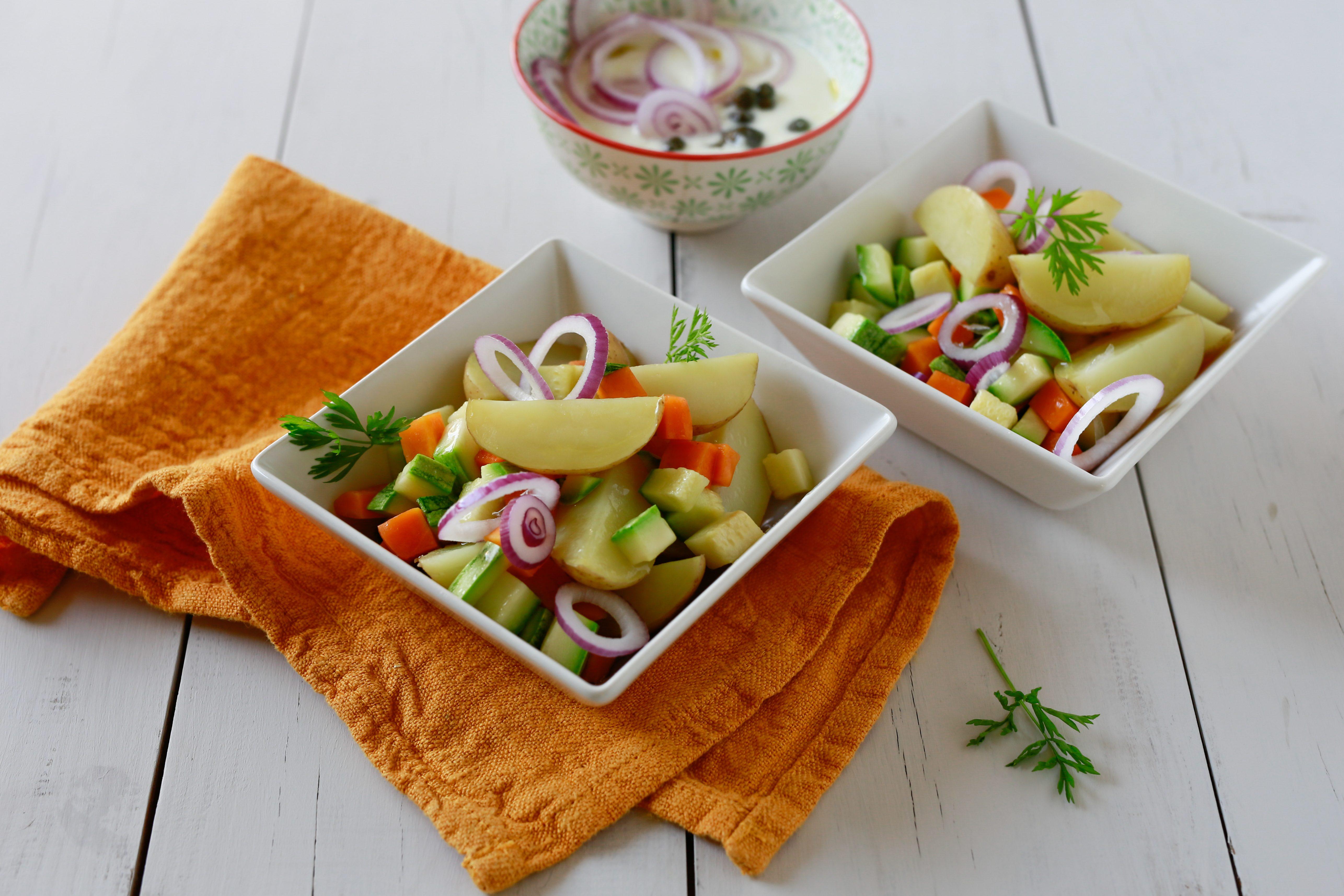 Insalata di patate e zucchine: la ricetta del piatto fresco e invitante