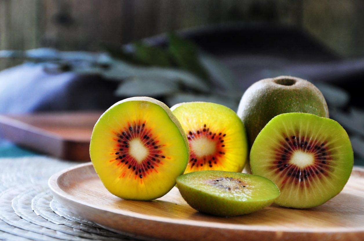 Kiwi rosso: cos'è, da dove viene e come usarlo in cucina