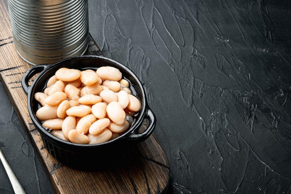 Liquido dei fagioli in scatola: come riutilizzarlo in cucina per evitare sprechi