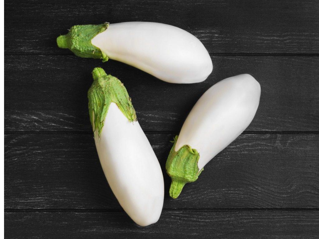 Melanzane bianche: le differenze con le classiche e come usarle in cucina