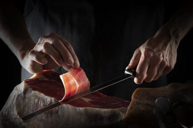 prosciutto di Norcia prodotto tipico norcineria norcino taglio