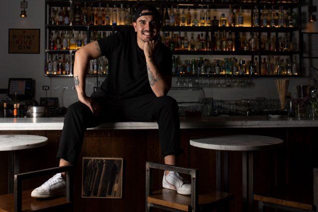 Nico Sacco, bartender del LAB di Viterbo – Ph: Officina Visiva