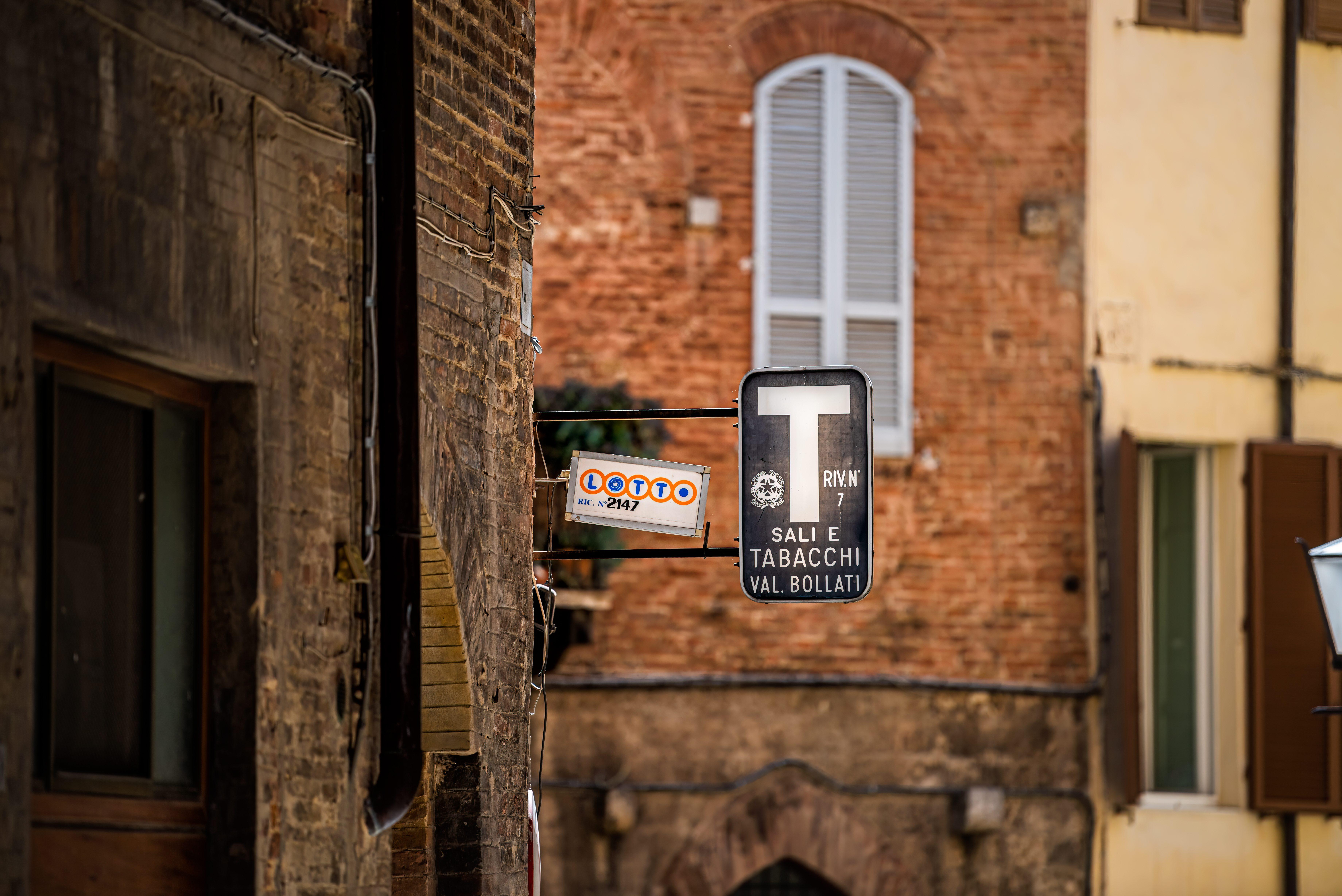"La tabaccheria diventa bottega ""gourmet"": in vendita le eccellenze italiane"