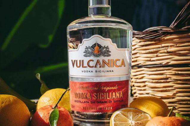 vodka siciliana vulcanica bottiglia