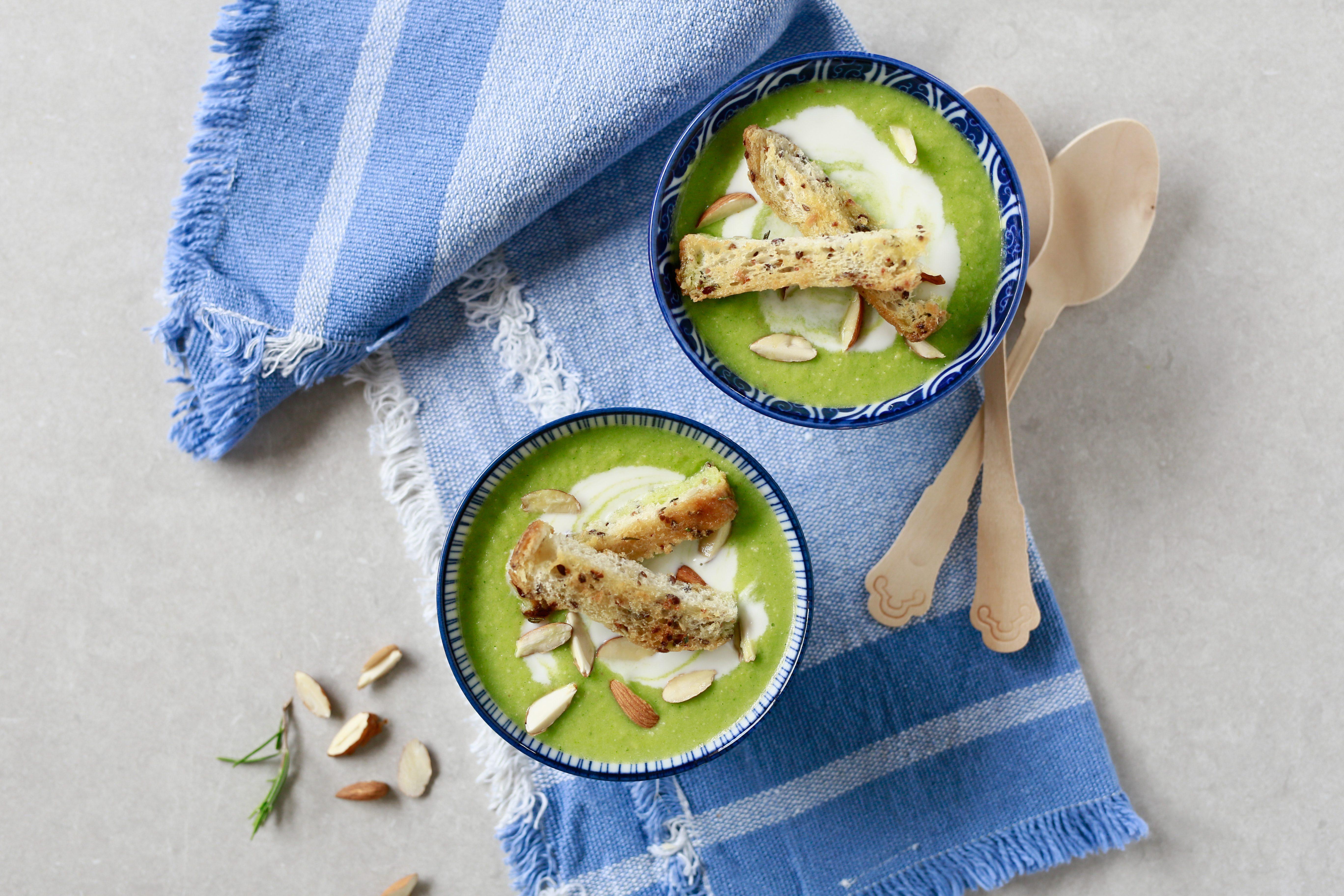 Crema fredda di zucchine e yogurt: la ricetta del piatto leggero e stuzzicante