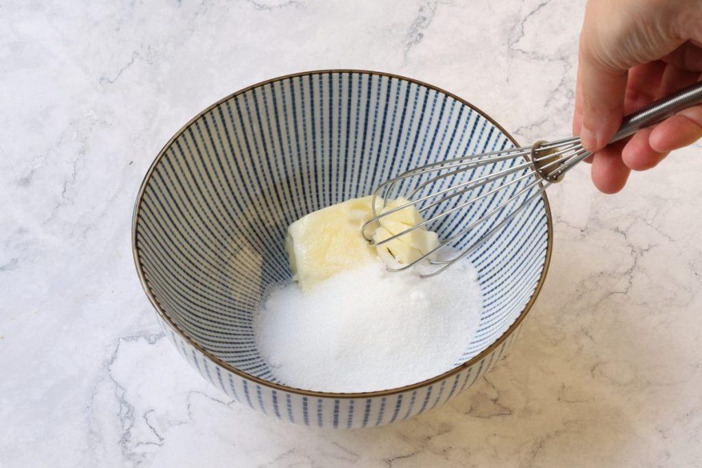 lavorare burro e zucchero