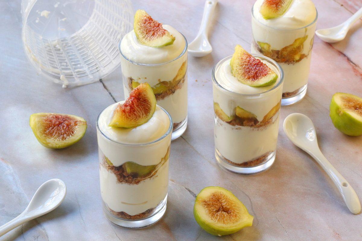Bicchierini ricotta e fichi: la ricetta del dessert cremoso e semplice da realizzare