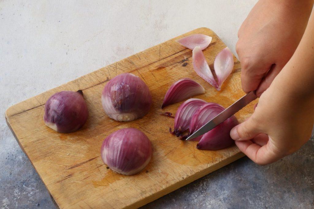 affettare le cipolle