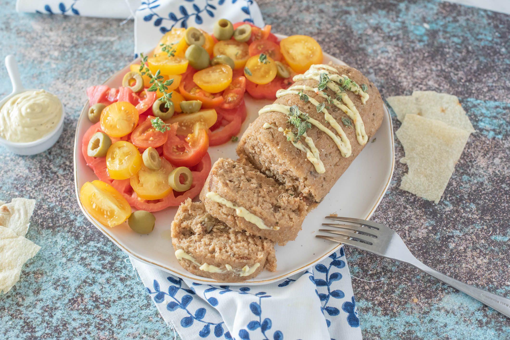 Polpettone di tonno: la ricetta del piatto veloce e perfetto per l'estate