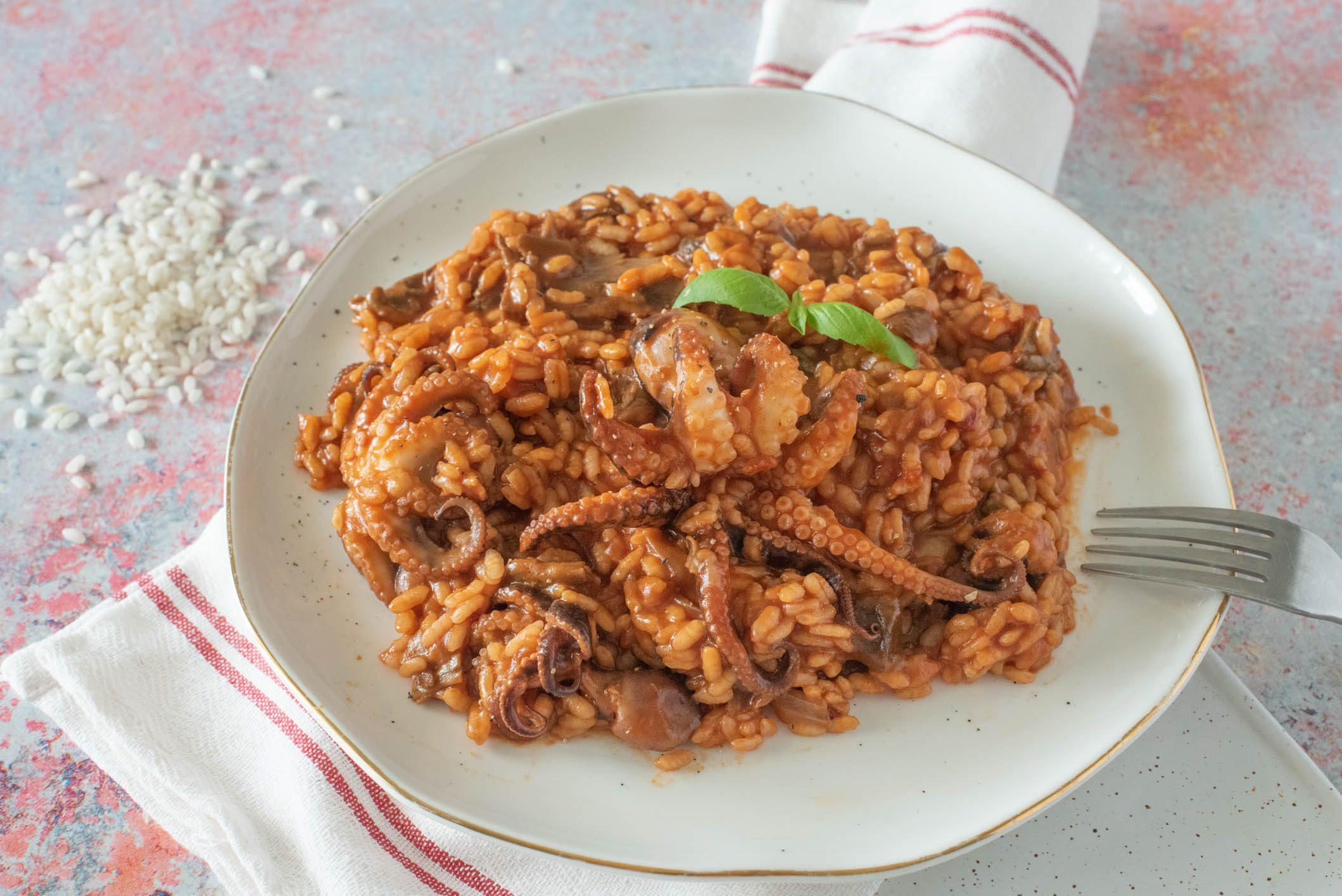Risotto al polpo: la ricetta del primo piatto raffinato e saporito