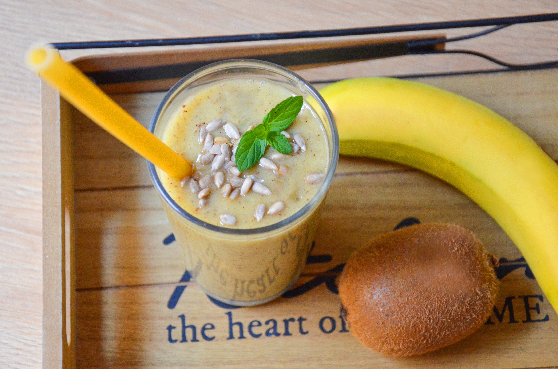 Smoothie kiwi e banane: la ricetta della bevanda gustosa e super nutriente