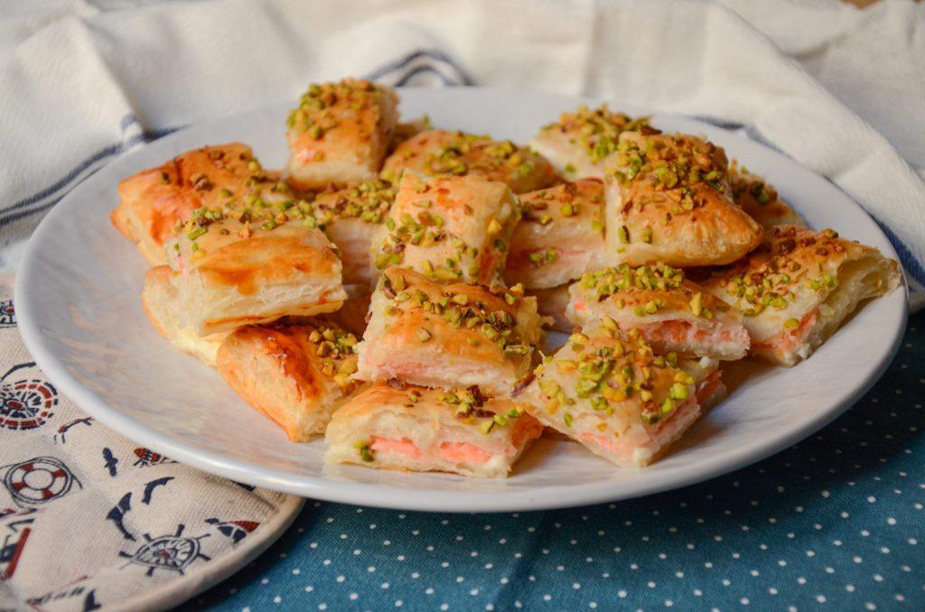 Snack_di_pasta_sfoglia_al_salmone_1