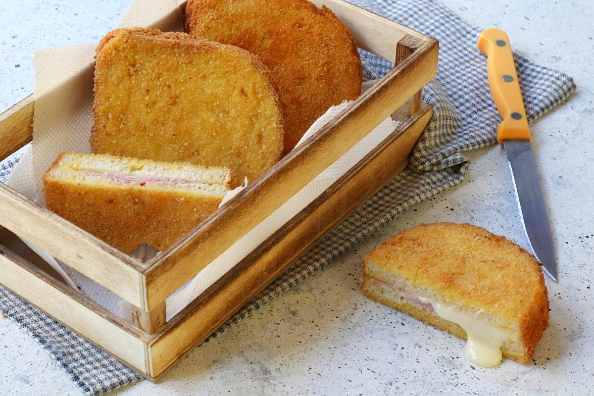 Toast in carrozza: la ricetta del piatto filante e goloso