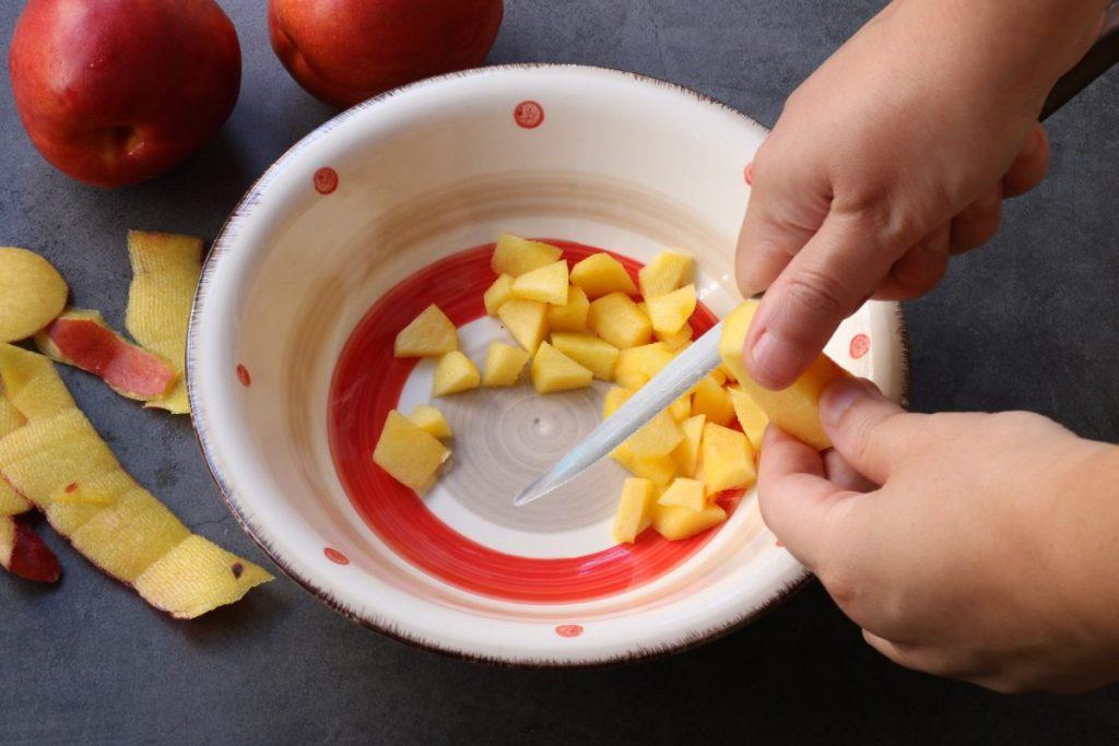 tagliare la frutta