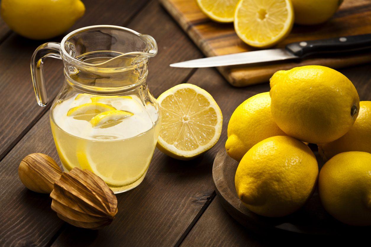 Canarino: la ricetta semplicissima del tipico digestivo al limone