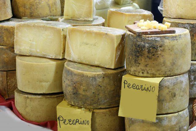 cosa mangiare Civita Bagnoregio formaggio pecorino