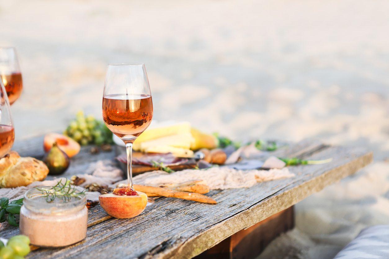 Pranzo al mare: un menu dall'antipasto al dolce da mangiare sulla spiaggia