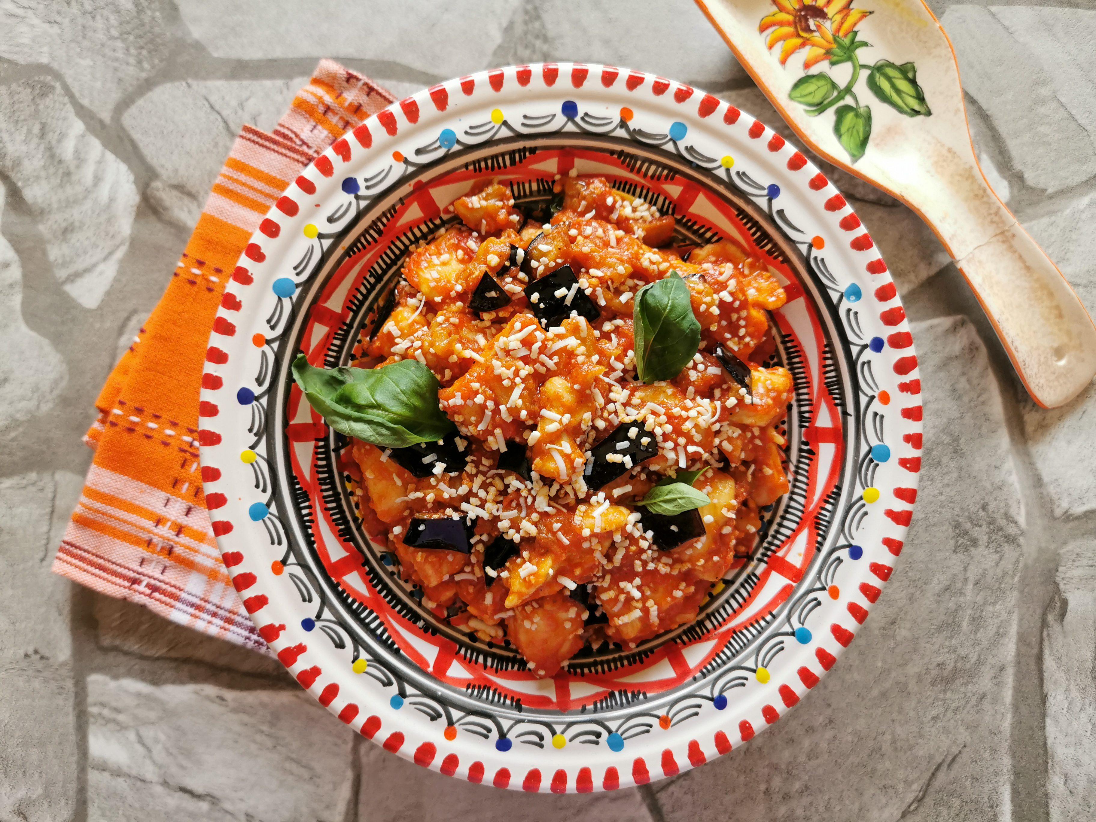 Pollo alla Norma: la ricetta del secondo piatto sfizioso e originale