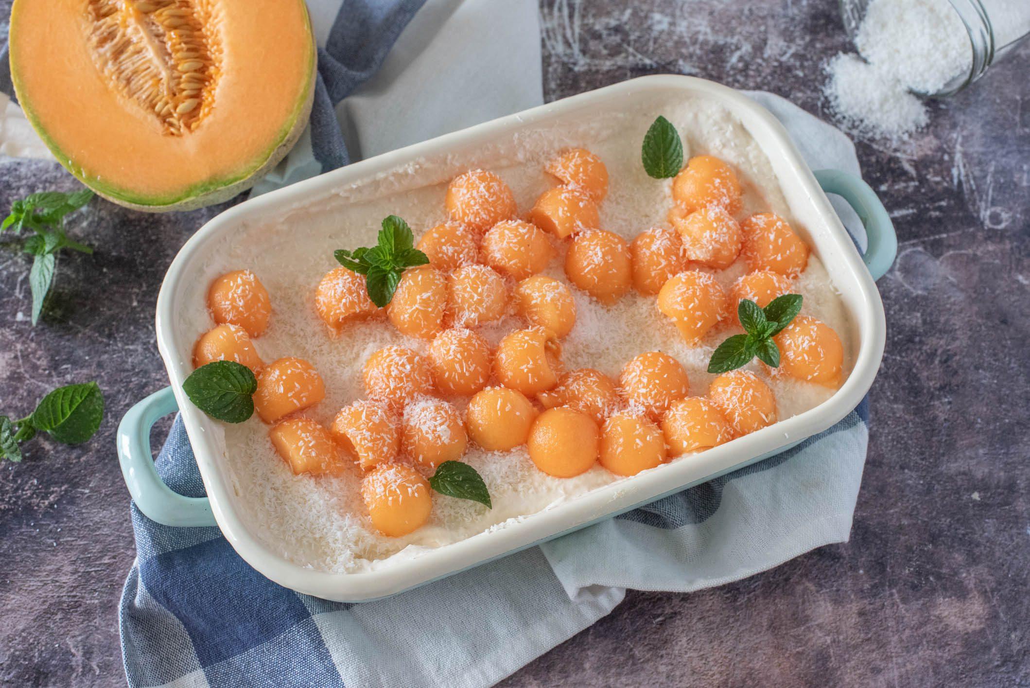 Semifreddo al melone con biscotti: la ricetta del dessert fresco e super cremoso