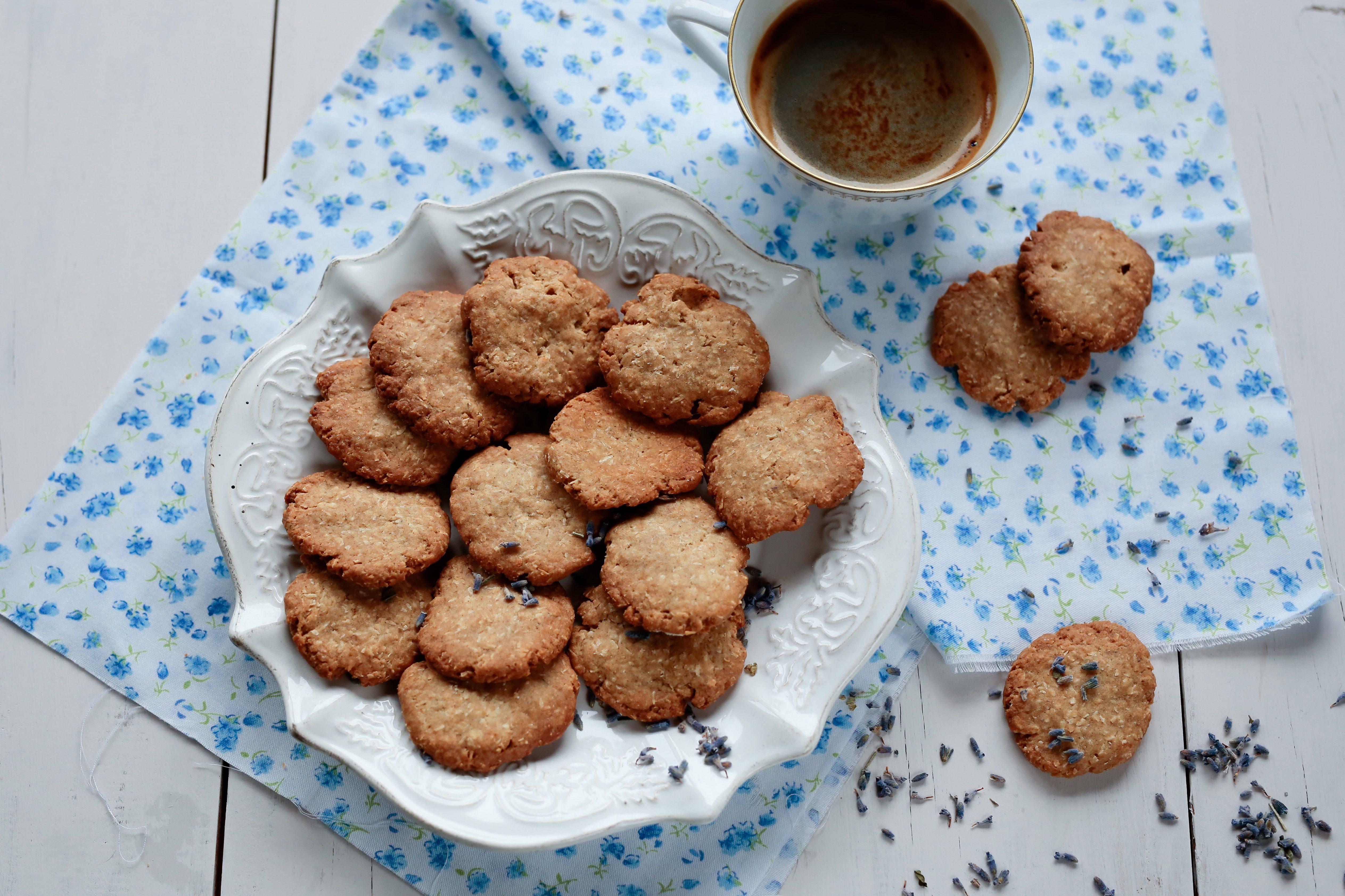Frollini alla lavanda: la ricetta dei biscottini golosi e fragranti