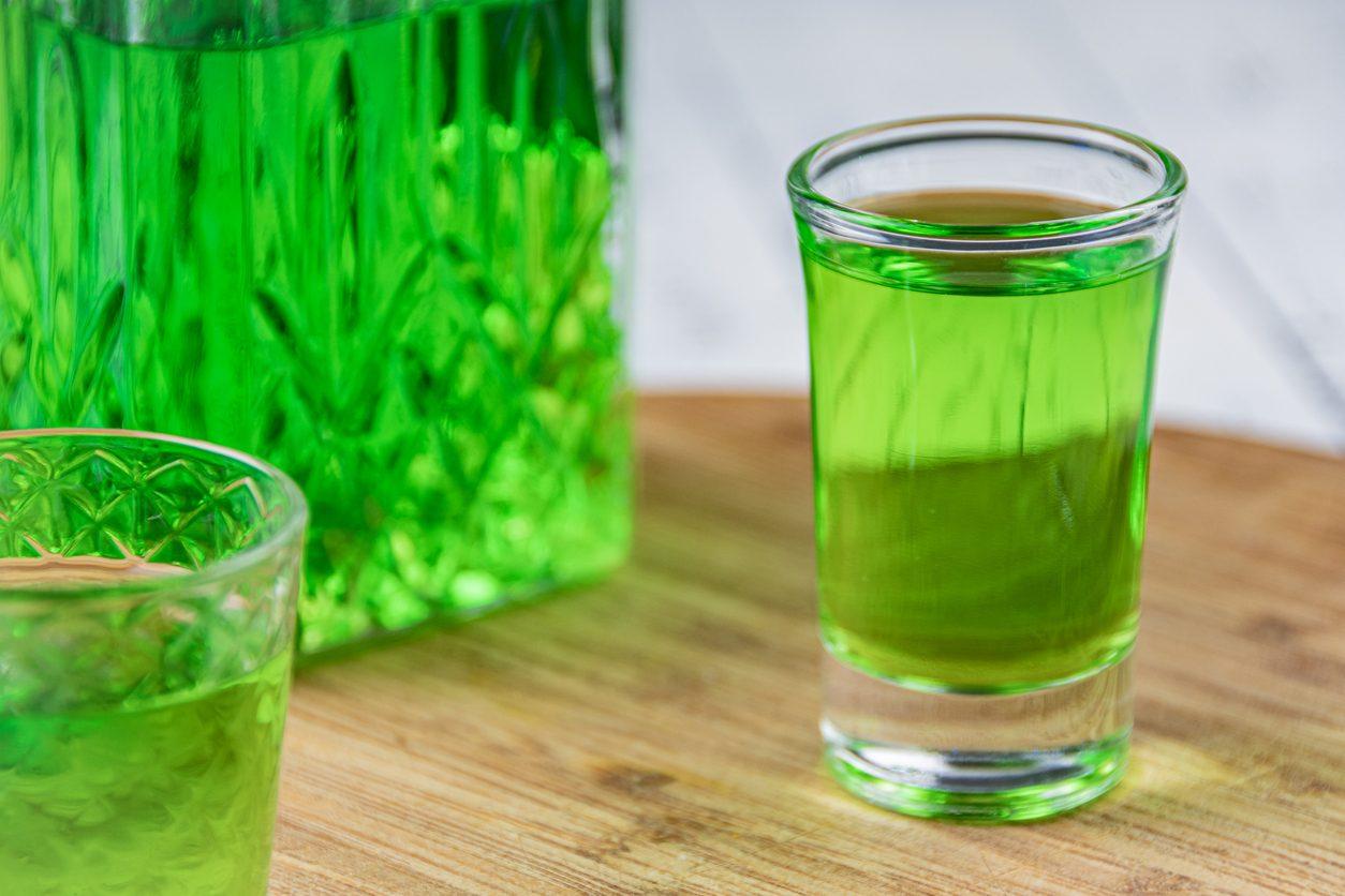Liquore all'alloro: la ricetta dell'allorino pugliese fatto in casa