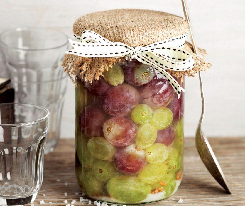 Uva sotto spirito: la ricetta della conserva per l'inverno semplice e deliziosa
