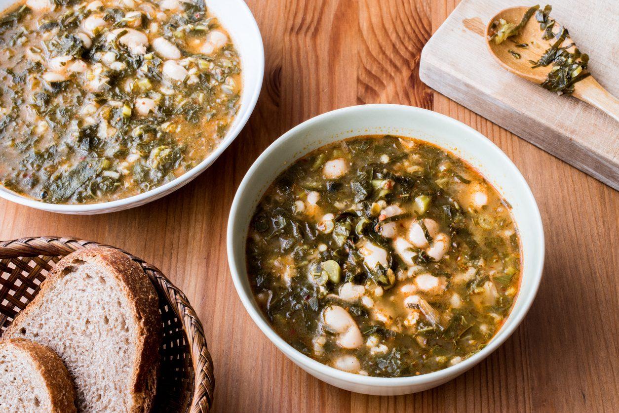 Zuppa frantoiana: la ricetta della minestra di verdure e fagioli toscana