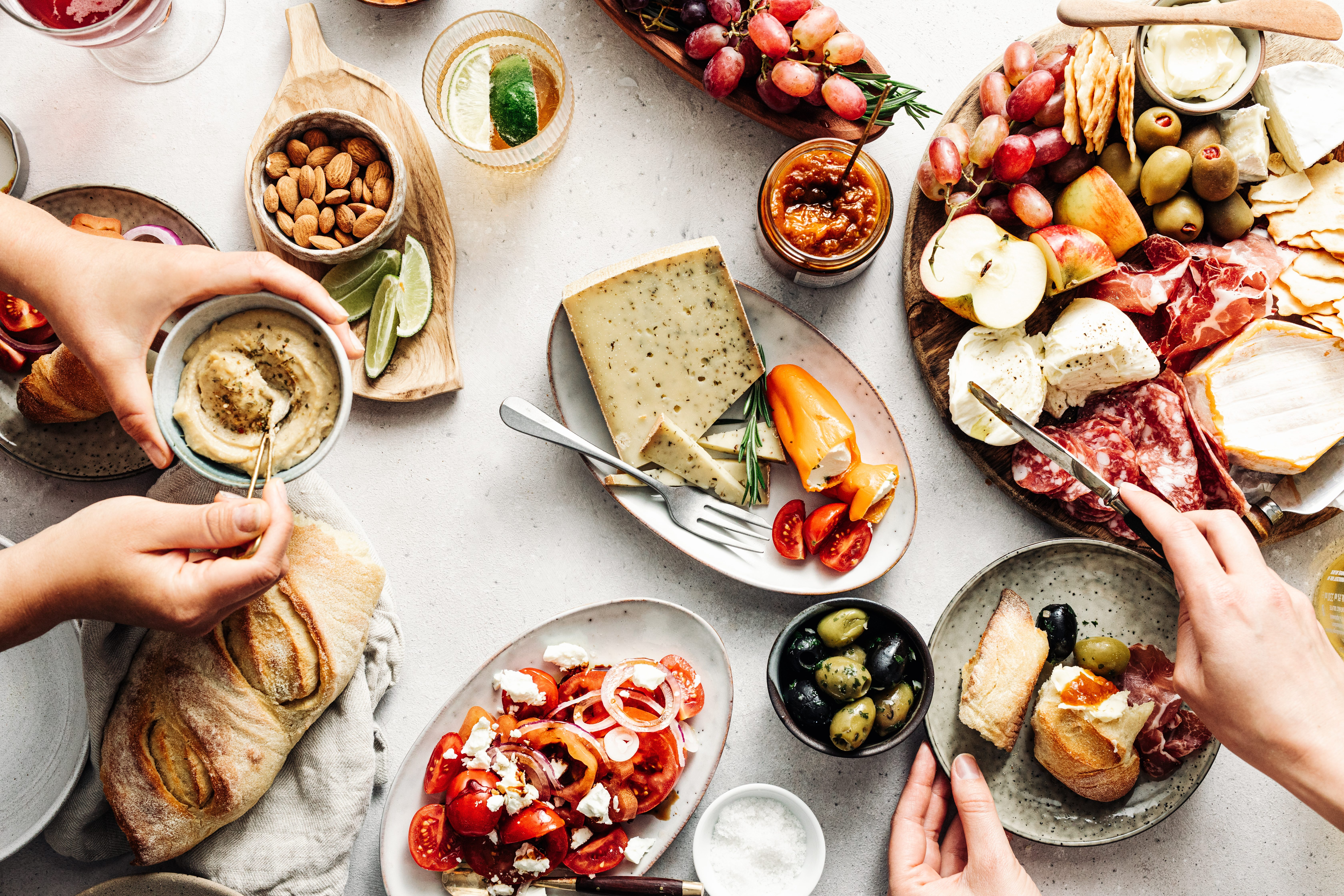 Abbinamenti sbagliati: le coppie di alimenti da non mangiare insieme