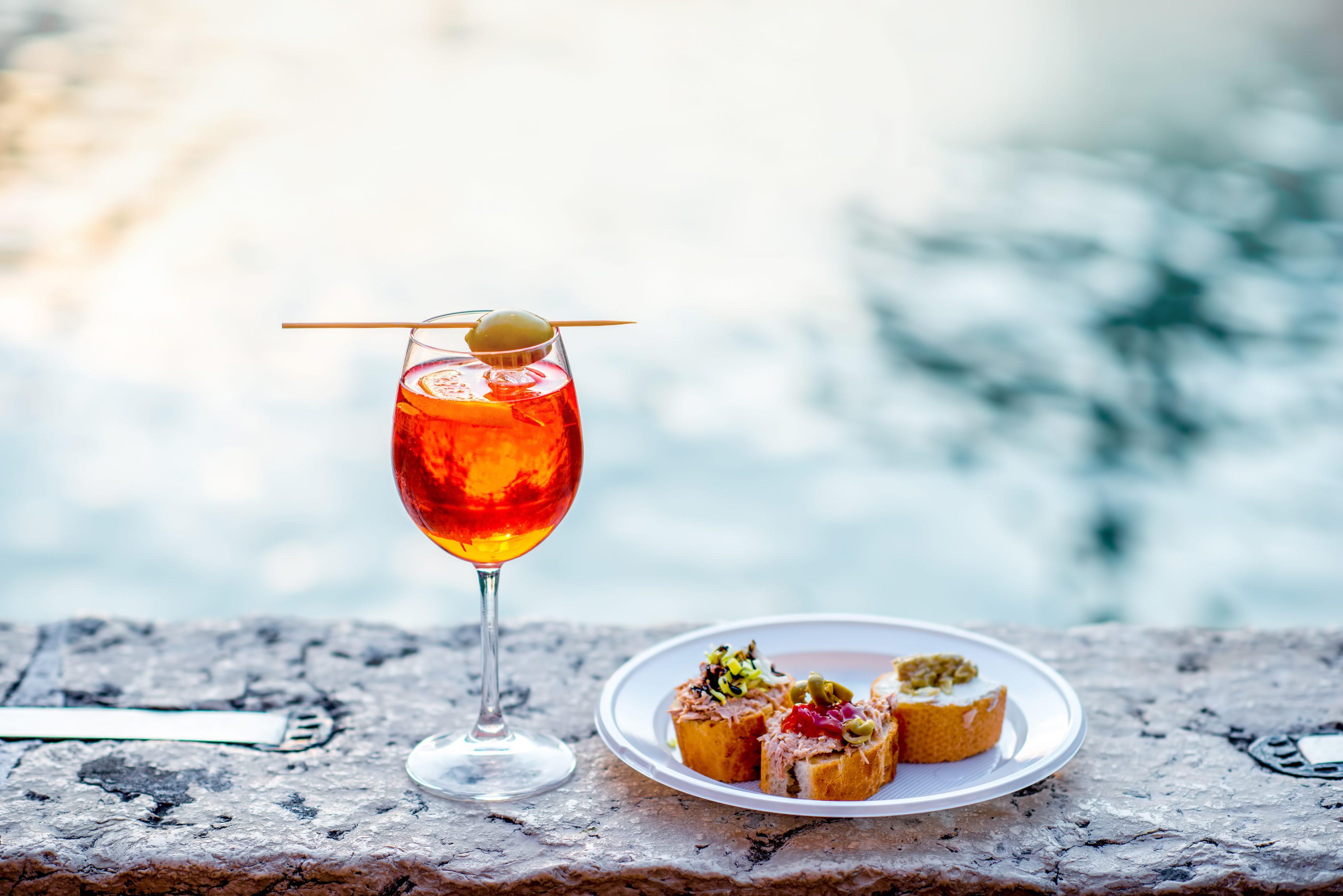 Andar per bacari a Venezia: nella Laguna tra cicchetti, Spritz e ombre de vin