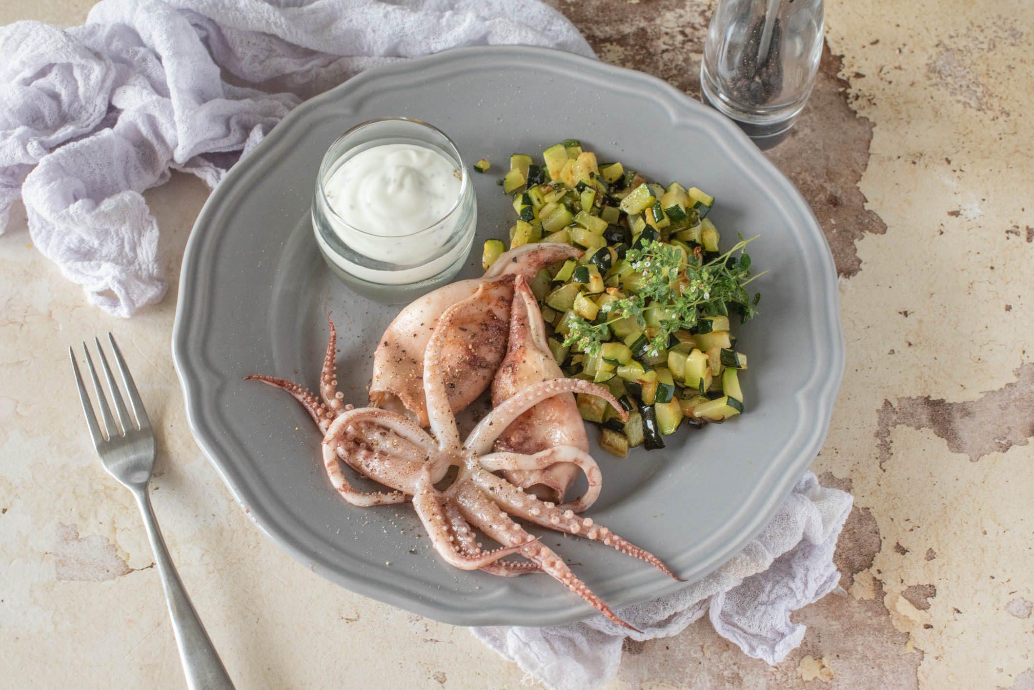 Calamari alla griglia: la ricetta del piatto gustoso e completo